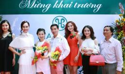 Hoa hậu Diễm Hương diện váy đỏ rực khai trương Hasaki Beauty & Spa
