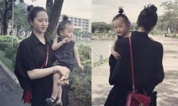 Hai mẹ con Phan Thị Lý diện đồ 'tông xuyệt tông' đi dạo phố