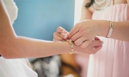 Choáng khi nhận được món quà bằng vàng ròng từ tình cũ của chồng
