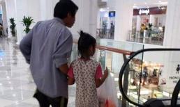 Bố đi chân đất, dẫn con gái đi mua mì tôm ở Trung tâm thương mại gây xúc động