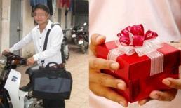 Chàng trai đi Dream cũ nhưng cầm hộp quà giá 2 tỷ đến tặng sinh nhật bạn gái và cái kết