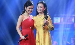 Khánh Ly nắm tay Hồng Nhung hát về nhạc Trịnh
