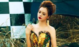 Vẻ đẹp huyền bí trong trang phục thu đông của Ruby Anh Phạm