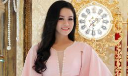 Nhật Kim Anh đẹp mặn mà đúng chất 'gái một con'