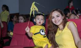 Hoa hậu Diễm Hương dẫn con trai đáng yêu diện tông vàng rực rỡ dự trung thu cùng trẻ cơ nhỡ