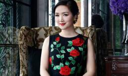 Hoa hậu Giáng My đẹp thanh thoát khi diện váy họa tiết hoa hồng leo