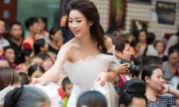 Đỗ Mỹ Linh cùng dàn người đẹp HHVN dự tiệc trung thu cùng trẻ nhỏ