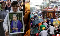 Người dân đội mưa đưa tiễn nghệ sĩ Út Bạch Lan về nơi an nghỉ cuối cùng