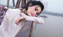 Diva Thanh Lam ưu tư ngắm cảnh sông nước trên cầu