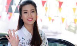 Giản dị về trường ngày 20-11, Đỗ Mỹ Linh mong thầy cô không xem mình là hoa hậu