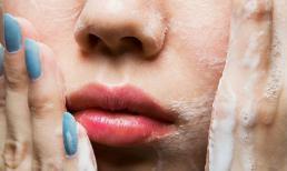 Những sai lầm khi rửa mặt có thể phá nát làn da