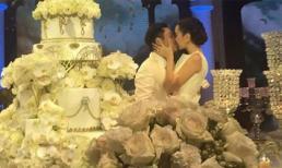 Đám cưới xa hoa của MC Mai Ngọc: Cô dâu chú rể trao cho nhau nụ hôn ngọt ngào