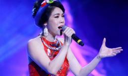 Thu Phương mặc yếm đào hát giữa Hà Nội giá rét