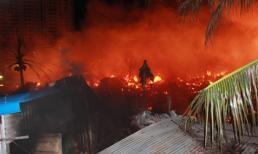 Cháy lớn kinh hoàng ở Nha Trang, 40 căn nhà bị thiêu rụi