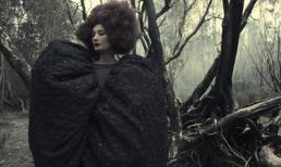 Người mẫu Lê Thúy ma mị giữa rừng cây