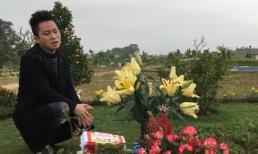 Tùng Dương xúc động hát 'Ngày hôm qua' bên mộ Trần Lập