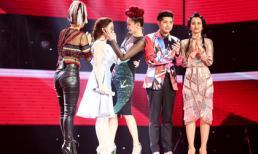 Giọng hát Việt 2017: Thí sinh òa khóc, ngừng hát trên sân khấu khiến các HLV ngỡ ngàng