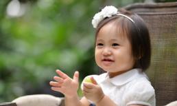 Loạt khoảnh khắc ngây thơ, hồn nhiên vui đùa của con gái Hà Kiều Anh