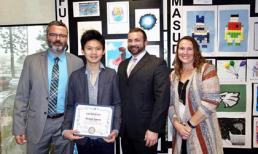 Con trai Bằng Kiều vượt qua hàng nghìn học sinh để đạt giải thưởng đặc biệt ở Mỹ