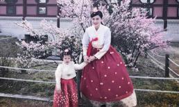 Vũ Thu Phương và con gái điệu đà trong trang phục truyền thống của Hàn Quốc