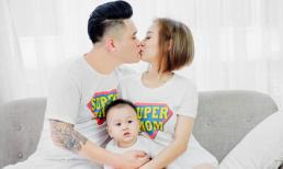 Gia đình Vũ Duy Khánh hạnh phúc bên nhau