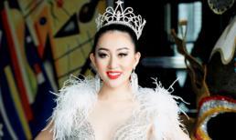 Hoa Hậu Huỳnh Thuý Anh đẹp như nữ hoàng tuyết lên trao giải Miss Asia Beauty 2017