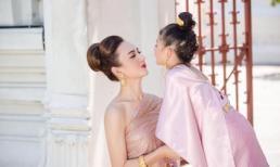 Mẹ con Ngọc Diễm xinh đẹp khi diện trang phục truyền thống của Thái Lan