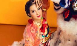 Diện trang phục xưa, MC Thanh Mai vẫn khiến 'hoa ghen, liễu hờn'
