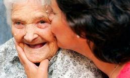 Khi bố mẹ già, chúng ta cần làm gì để họ không bị tổn thương?