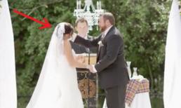 Đang đọc lời tuyên thệ chú rể tát lật mặt cô dâu khiến quan khách sửng sốt, lý do là...