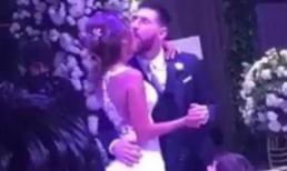 Vợ Messi hôn nhầm... cằm của chồng mình trong hôn lễ