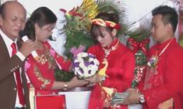 Cô dâu chú rể đứng 'mỏi chân' đợi đeo 300 lượng vàng và 50.000 USD lên người
