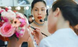 'Phù thủy make up' Tina Lê rạng rỡ trong lễ tốt nghiệp cùng học trò