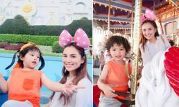 Hoa hậu Diễm Hương đưa con trai đi khám phá công viên Disneyland