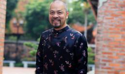 NTK Đức Hùng diện áo dài hoa dự công bố Lễ giỗ tổ nghề sân khấu 2017