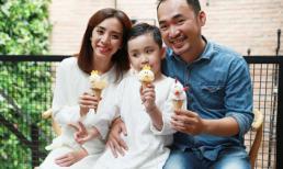 Gia đình Thu Trang - Tiến Luật vui vẻ thưởng thức kem ngon