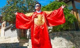 Ca sĩ Minh Quân mặc trang phục truyền thống của Hàn Quốc