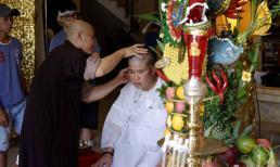 Cha vừa qua đời, nghệ sĩ Phước Sang quyết định cạo đầu để tỏ lòng báo hiếu