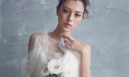 Tú Hảo 'The Face' nổi bật khi diện trang phục có họa tiết hoa nổi
