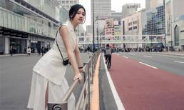 Á hậu Thanh Tú mặc mỏng manh dạo phố bất chấp thời tiết lạnh giá
