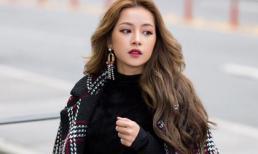 Chi Pu mặc váy ngắn bất chấp thời tiết âm 14 độ C ở Hàn Quốc