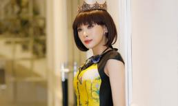 Á hậu Ngọc Quỳnh đội vương miện rực rỡ như 'Nữ hoàng mùa xuân'