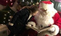 Harper và các anh trai thích thú khi được gặp ông già Noel trong ngày Giáng sinh
