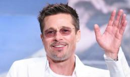 Sau hơn 1 năm chia tay Angelina Jolie, Brad Pitt thoải mái dùng tên thật để tán tỉnh phụ nữ