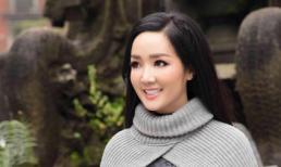 Hoa hậu Đền Hùng Giáng My rạng rỡ đi dạo giữa trời đông Hà Nội