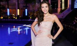 Siêu mẫu Minh Tú khoe vẻ gợi cảm trên đường catwalk công nghệ