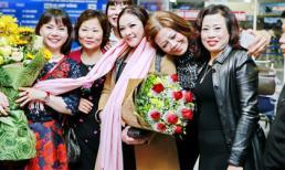 Như Quỳnh hạnh phúc trong vòng tay fans hâm mộ Hà Nội