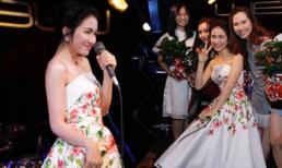 Chứng tỏ độ 'lầy' nhất showbiz, Hoà Minzy tặng hoa dâm bụt cho khán giả