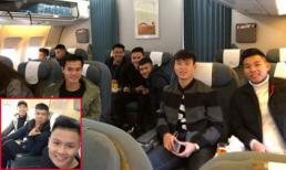 Các cầu thủ U23 check-in trên chuyến bay vào Sài Gòn, Đức Chinh vẫn là người 'lầy lội' nhất