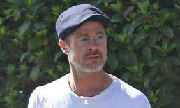 Choáng với diện mạo râu tóc bạc phơ, già như 'ông cụ' của Brad Pitt